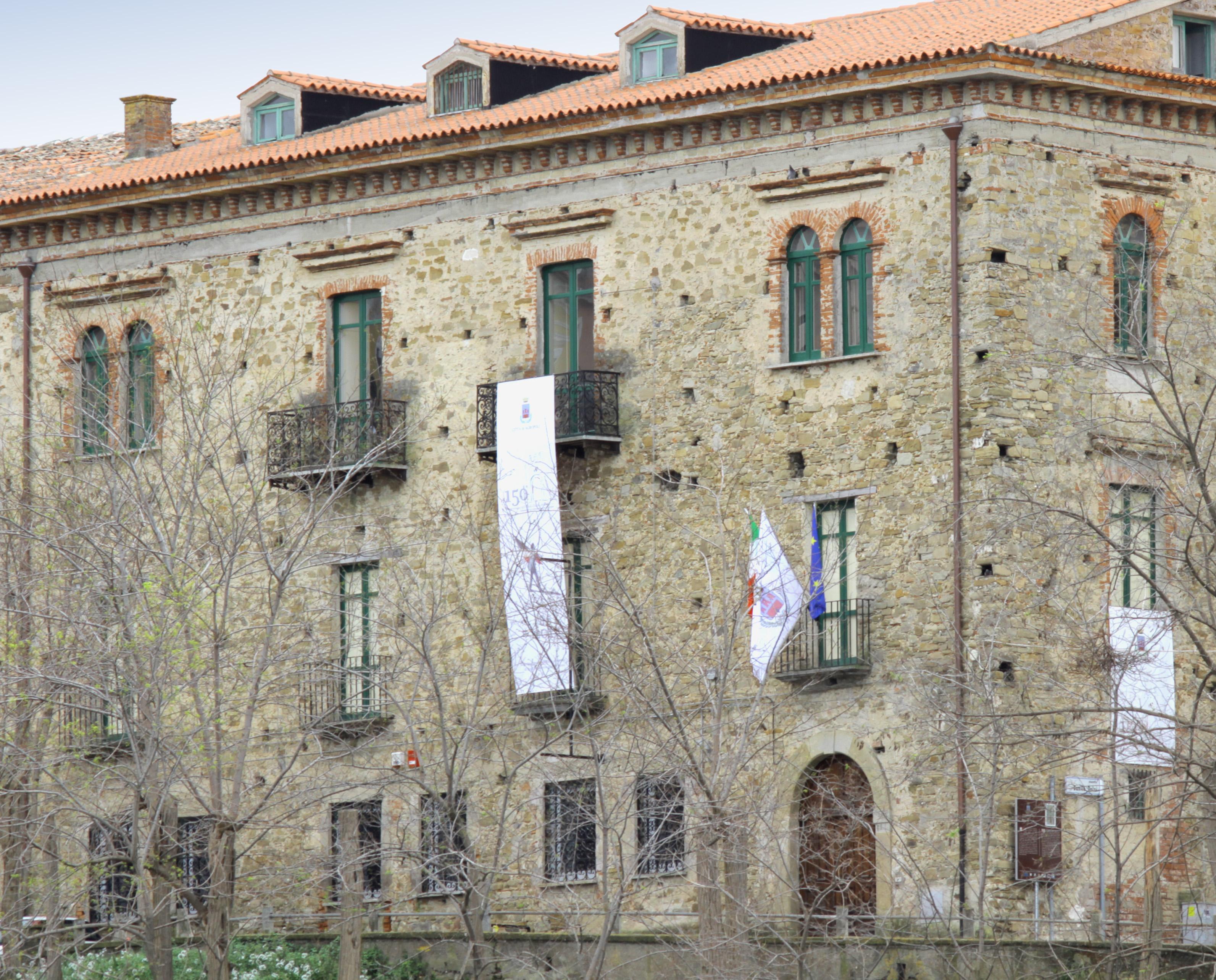 """Al Palazzo delle Arti di Agropoli la mostra d'arte """"Contrasti Incerti"""""""