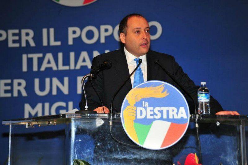 Regionali: il consigliere uscente Aveta (La Destra) si candida con De Luca. Su di lui nessun veto