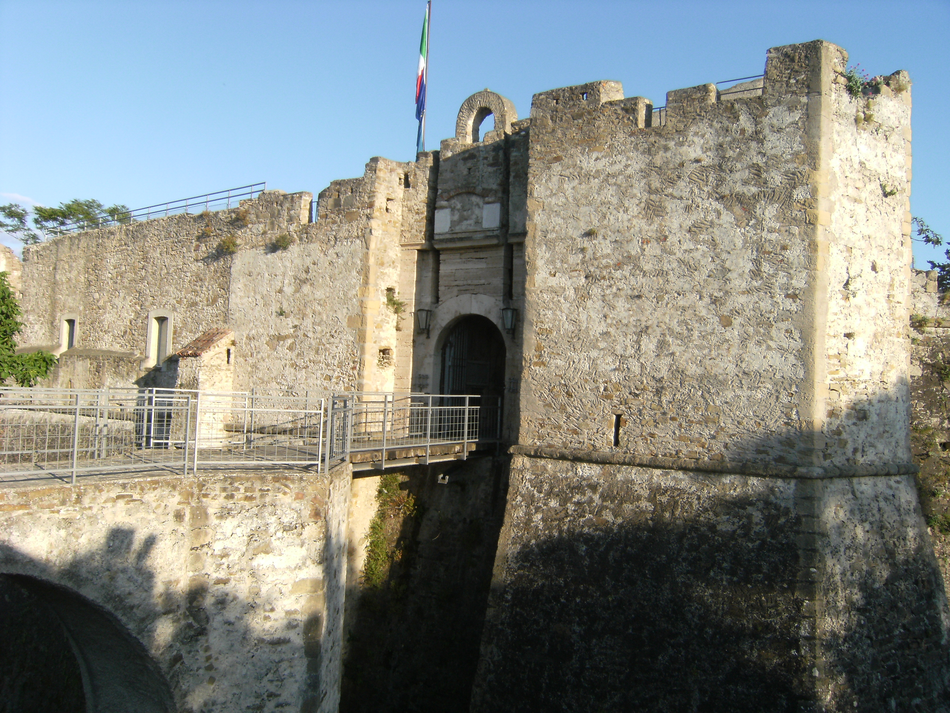 Photo of Pagine di Storia… i proprietari del Castello di Agropoli dal 1662 ad oggi