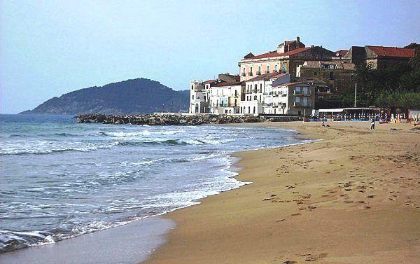 Der Pozzillo Strand in Santa Maria di Castellabate