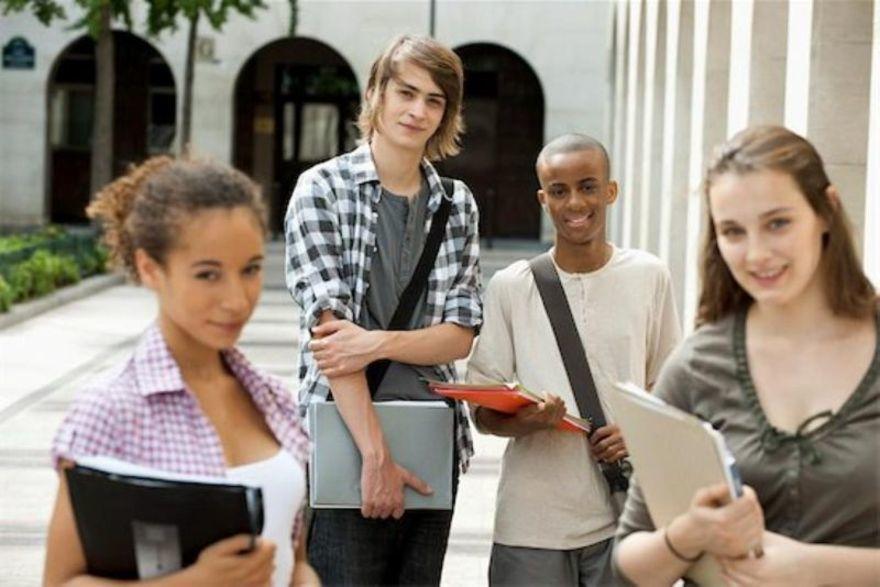 WCENTER 0REDABCPMZ - STUDENTI UNIVERSITARI - ERASMUS - SCAMBI CULTURALI  -  MASTERFILE  -