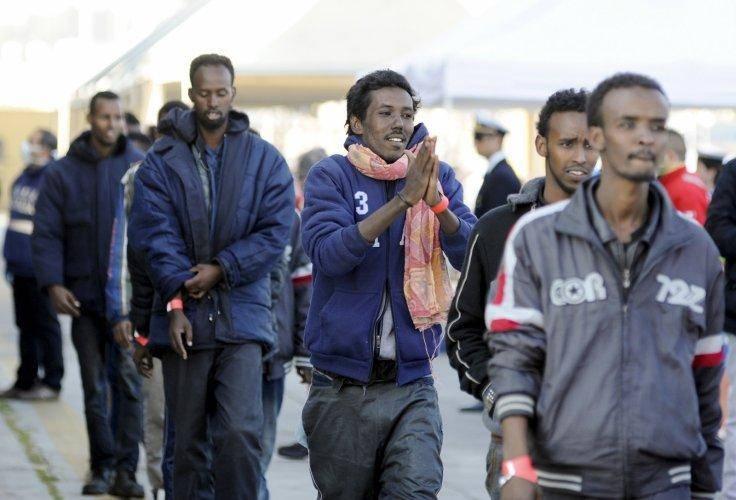Gli rifiutano lo status di rifugiato, 29enne va in escandescenza e crea il caos