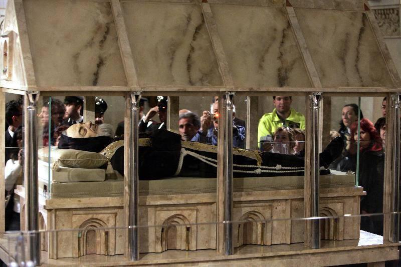 Tornano a Sassano le reliquie di Padre Pio