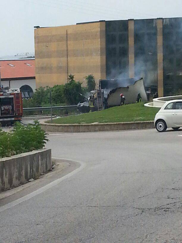 furgone_incendiato_1