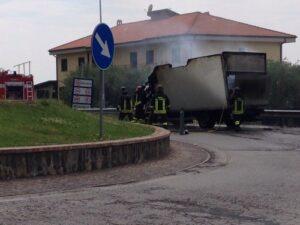 furgone_incendiato_3