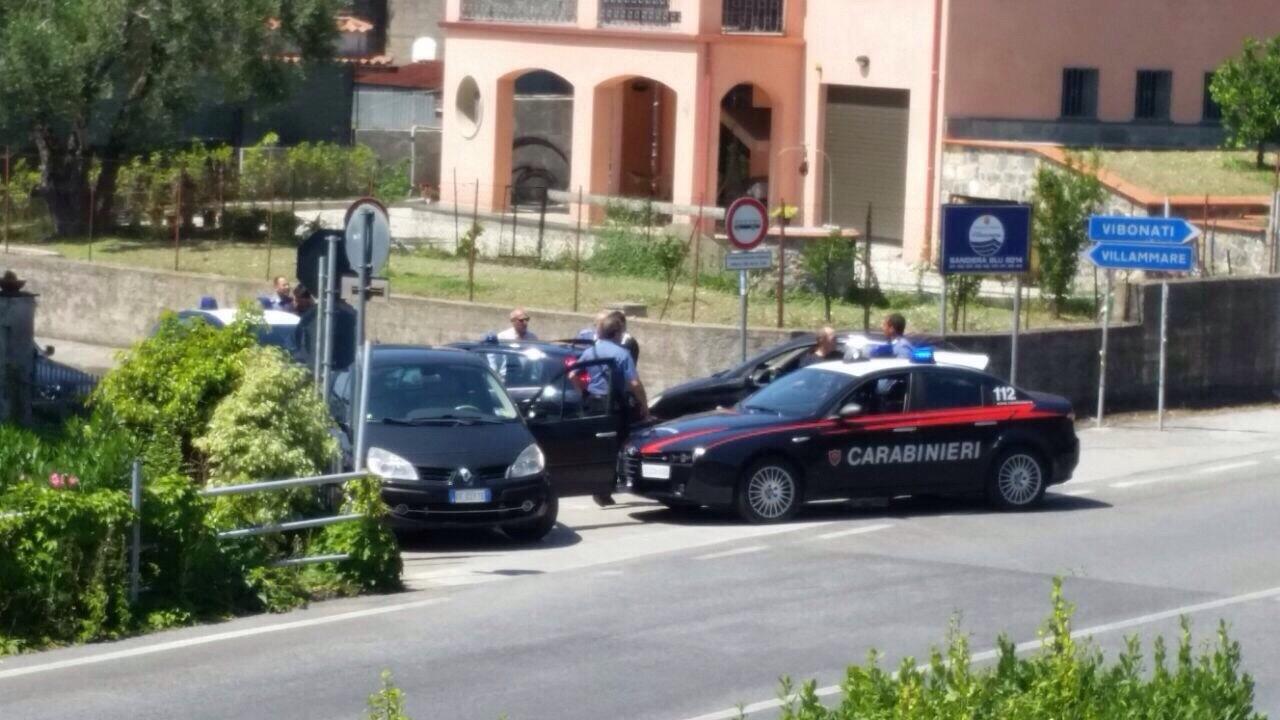 Rapina a mano armata in banca, arrestati due rapinatori [FOTO]