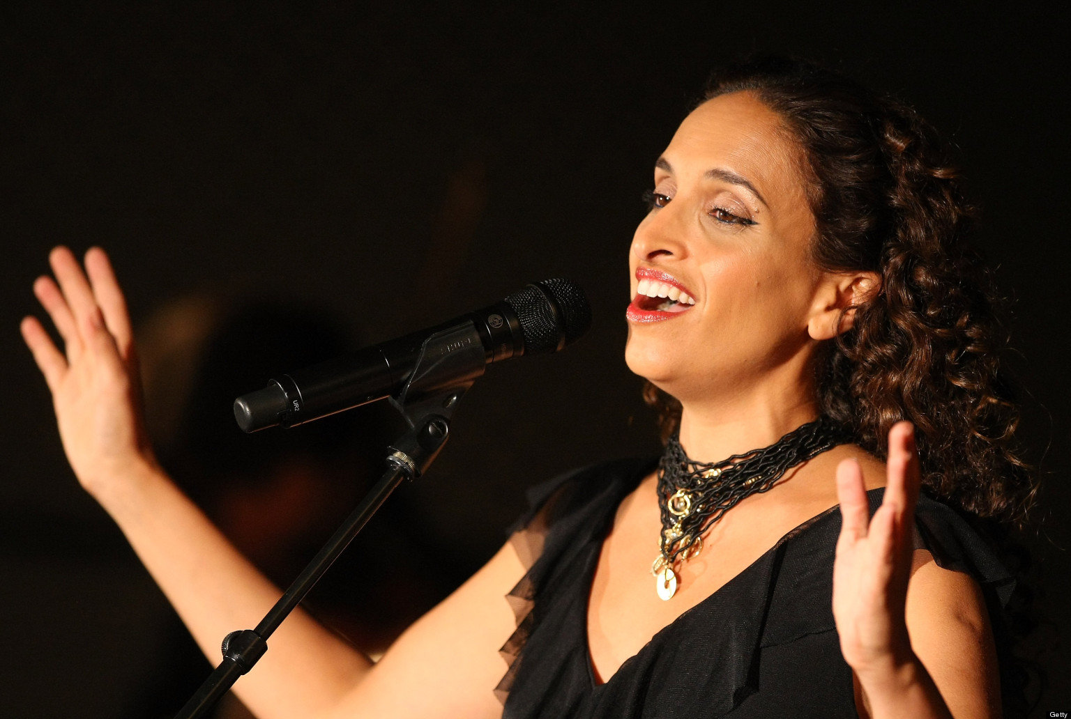BERLIN, GERMANY - NOVEMBER 26:  Israeli Singer Achinoam Nini, also known as Noa, performs with the Solis String Quartet at the Universitaet der Kuenste Berlin (UdK) on November 26, 2012 in Berlin, Germany.  (Photo by Adam Berry/Redferns via Getty Images)