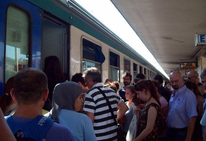 Odissea dal Cilento a Roma: treno bloccato quasi due ore in galleria