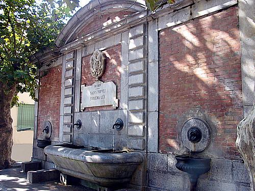 Vibonati, al via i lavori di ristrutturazione dell'antica fontana di Piazza Nicotera