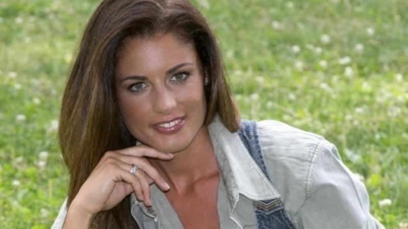 """L'ex Miss Italia a """"La Città"""": Un vergogna le strade del Cilento"""