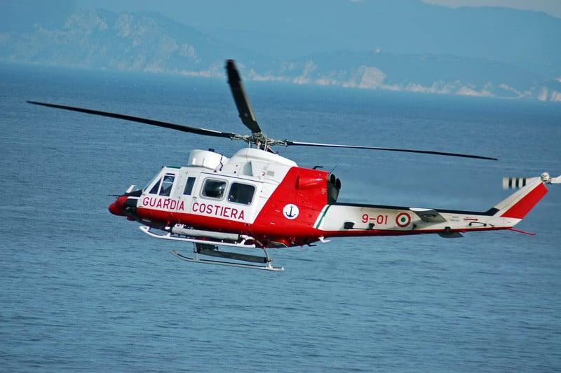 Turisti ostaggio del mare, salvati con un elicottero