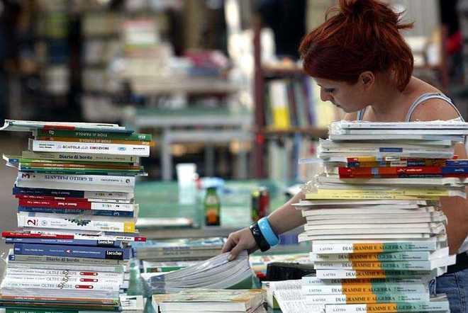 Da Polla duecento libri in dono al carcere minorile di Nisida
