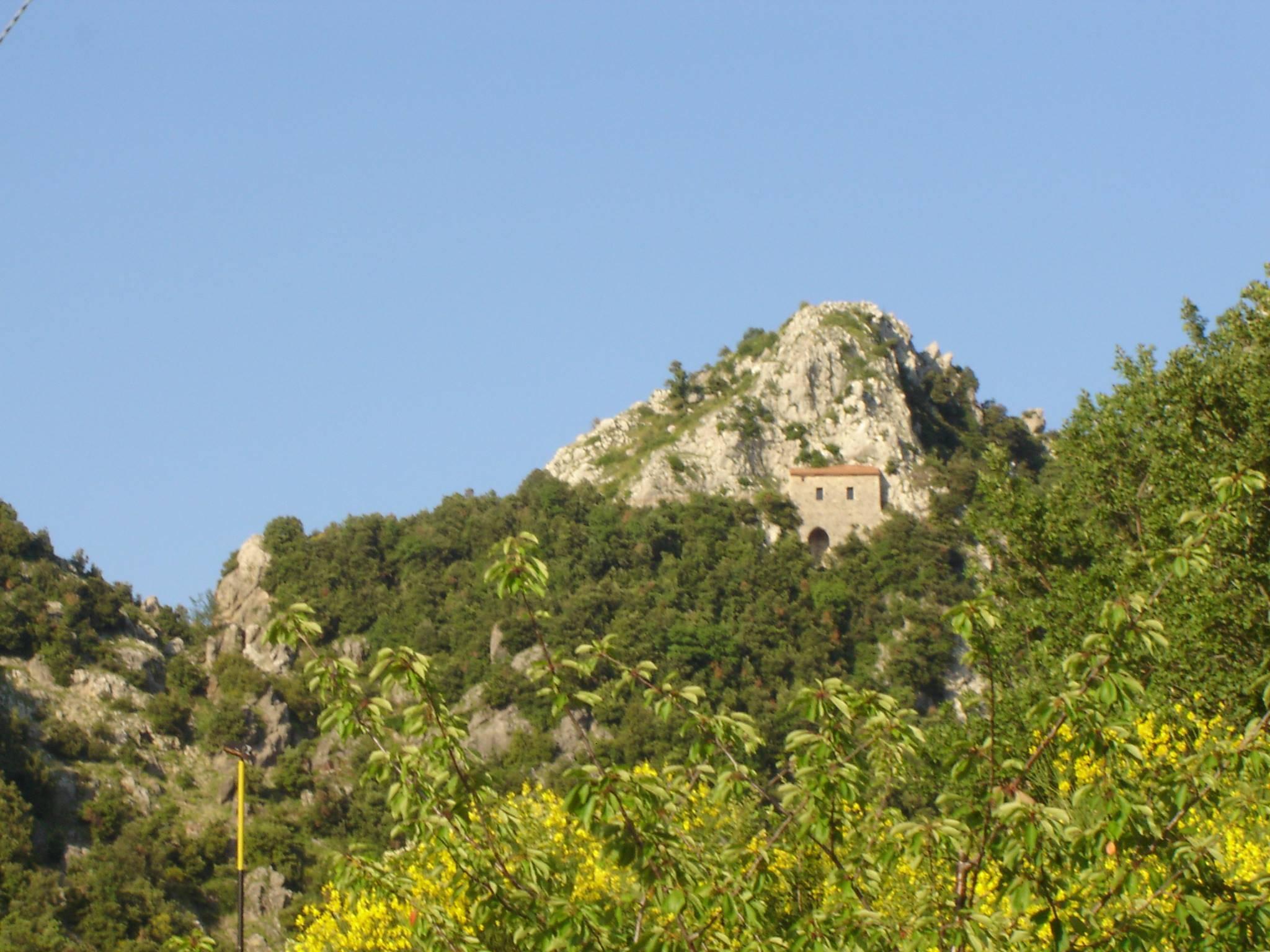 Santa Lucia, un santuario nella roccia