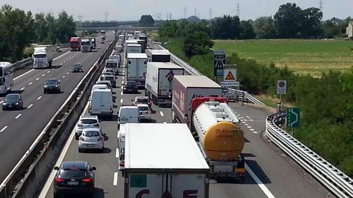 L'allarme: in Campania circolano troppi autocarri pesanti vecchi