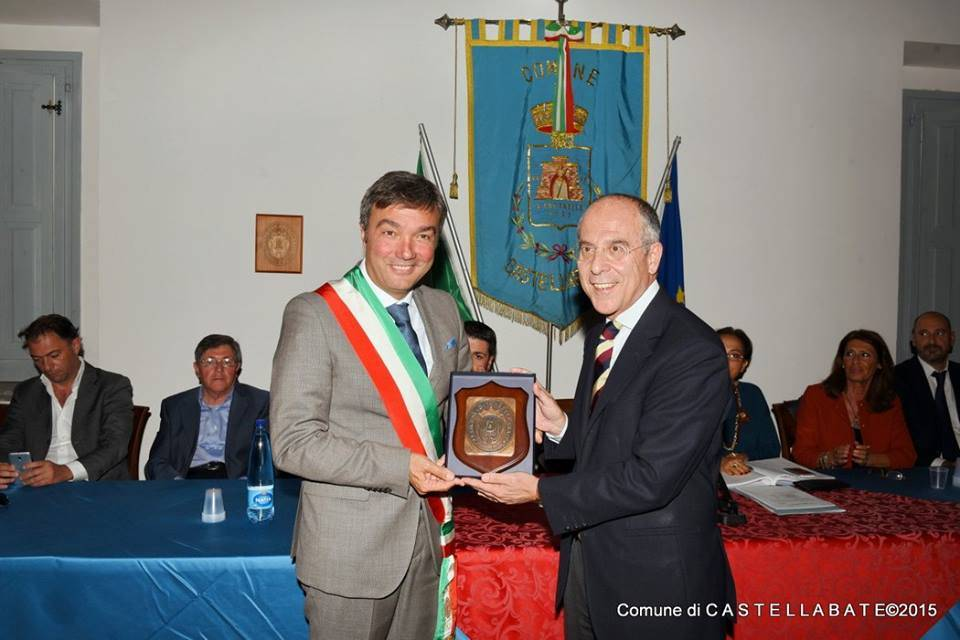 Castellabate: conferita la cittadinanza onoraria al dg di Enel