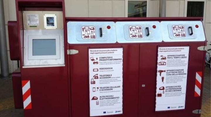 Cilento: a scuola e in ufficio contenitori per la raccolta di piccoli elettrodomestici