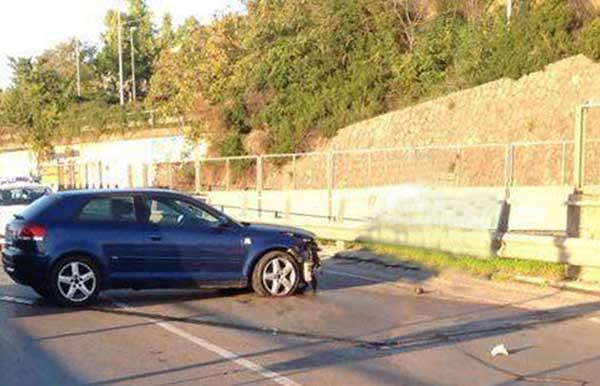 Incidente sulla Cilentana: auto perde il controllo e finisce contro il guard rail