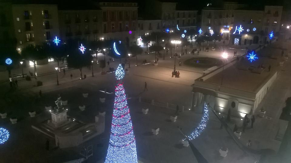 luci_piazza_vallodellalucania