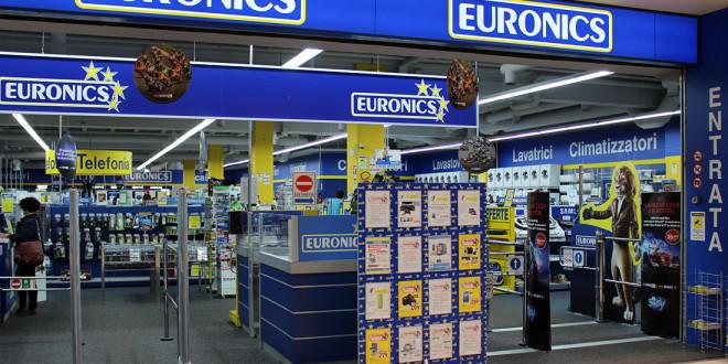 Shock ad Agropoli: direttore Euronics accusa malore e muore in negozio