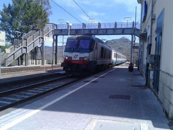 """Celle di Bulgheria: il """"treno degli studenti"""" giungerà sul primo binario"""