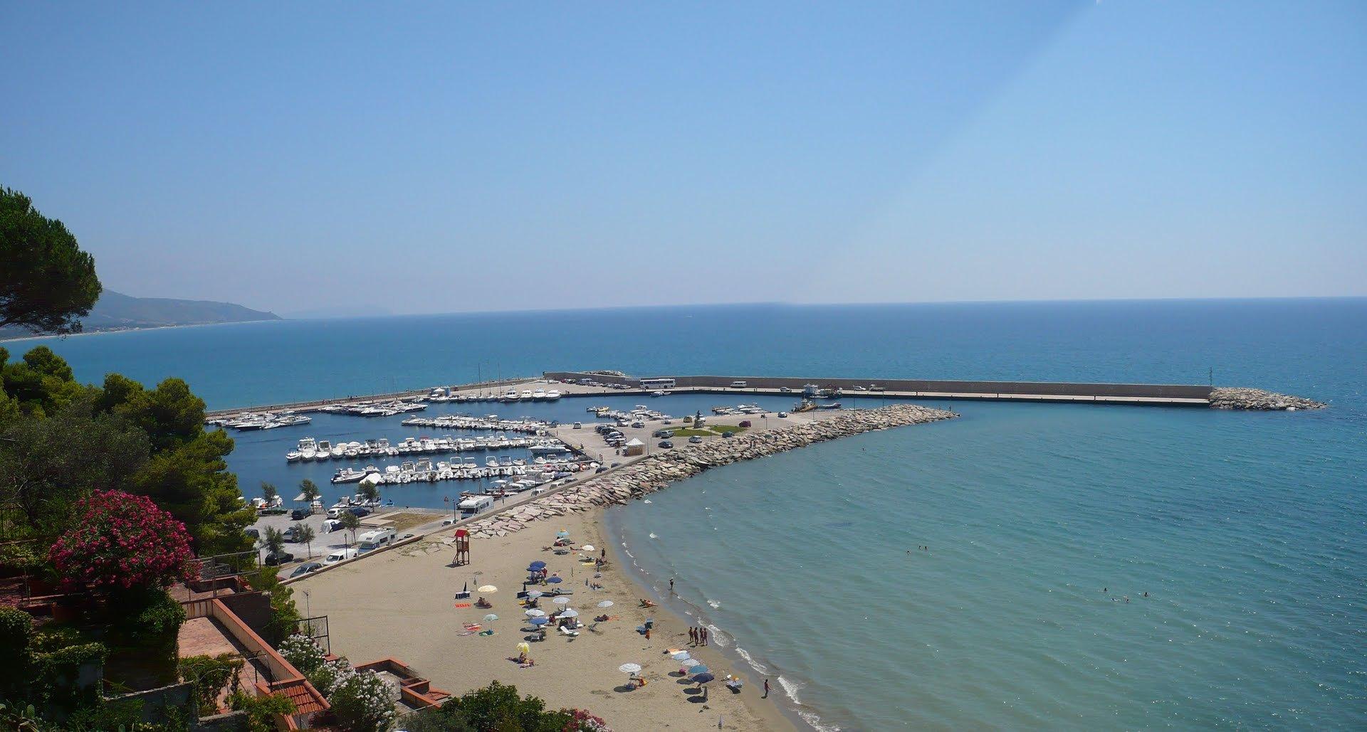 """Photo of Legambiente: """"Giù le mani dalle spiagge libere"""""""