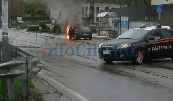 Agropoli: paura nei pressi del Psaut, auto a fuoco