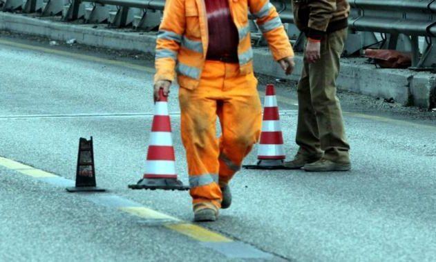 Frana sulla Mingardina, strada off limits. I cittadini: avevamo segnalto problemi