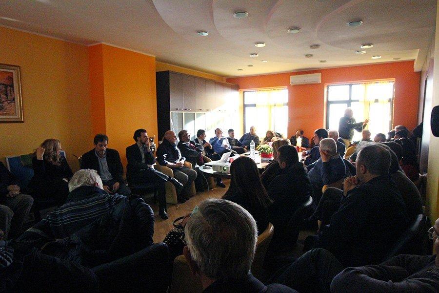 """""""Fare rete tra pubblico e privato"""", trenta sindaci si sono incontrati a Centola"""