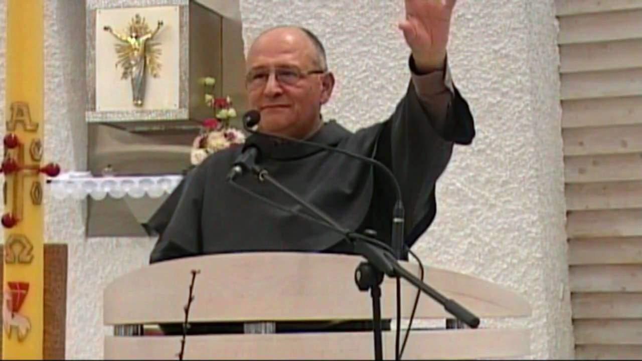 Nel Cilento il ritiro carismatico di Padre Elias Vella, esorcista dell'isola di Malta