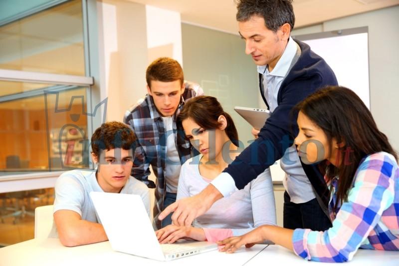Stop alla dispersione scolastica: operatori sociali affiancheranno gli insegnanti