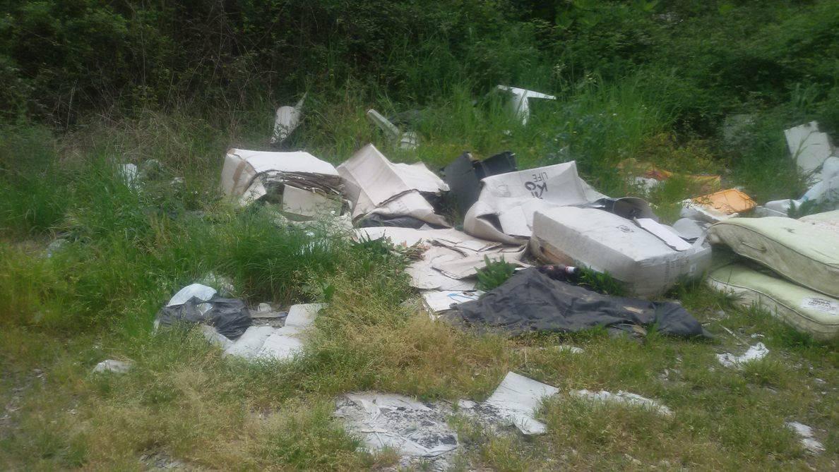 Discariche abusive nel Parco del Cilento, polemiche dei residenti [FOTO]