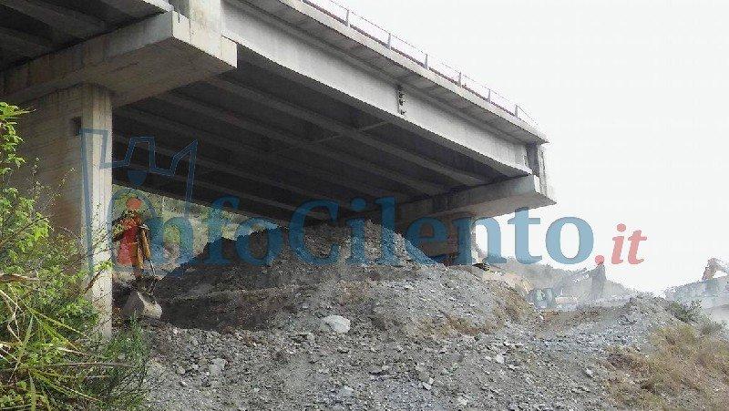 Cilentana: ecco le immagini del viadotto abbattuto. GUARDA