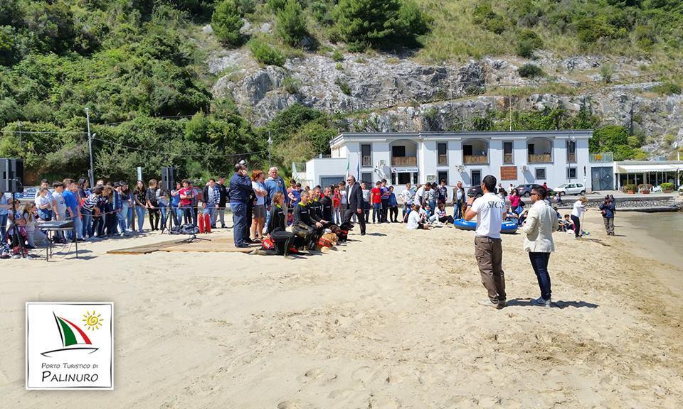 Sul litorale del Cilento tornano i bagnini a quattro zampe