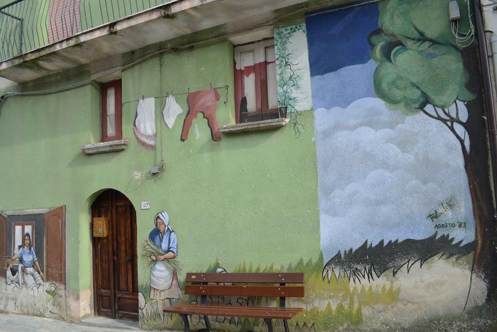 Uno dei murales di Piano Vetrale