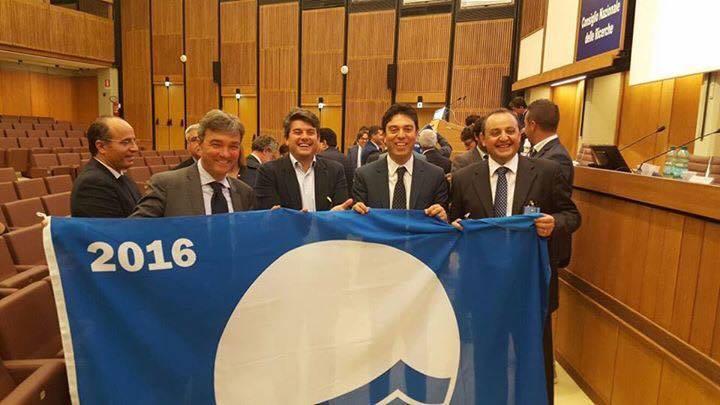 bandierablu_sindaci2016