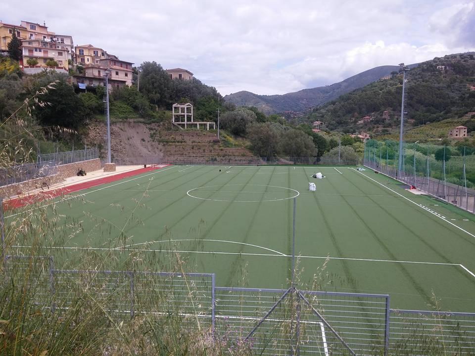Cilento: presto un nuovo campo di calcio in erba sintetica