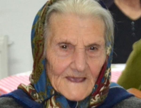 Festa per nonna Concetta, ieri ha spento 106 candeline