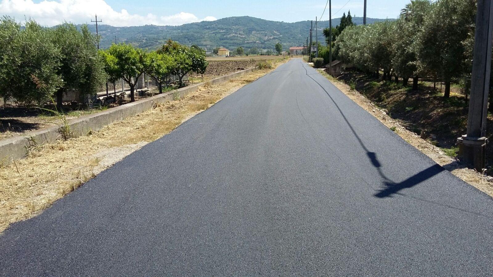 Proseguono a Spinazzo e Chiorbo i lavori di rifacimento del manto stradale