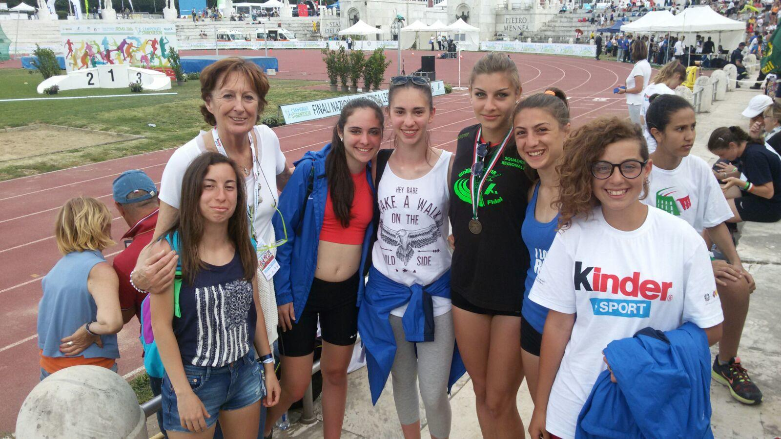 """Studentesse del """"Gatto"""" rappresentano la Campania ai giochi studenteschi. Terzo posto per Alice Corrado"""