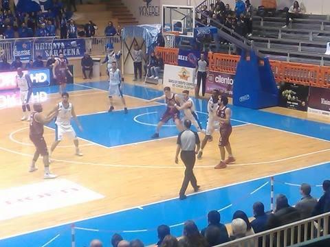 Basket, A2: per l'Agropoli sconfitta in casa con il Ferentino