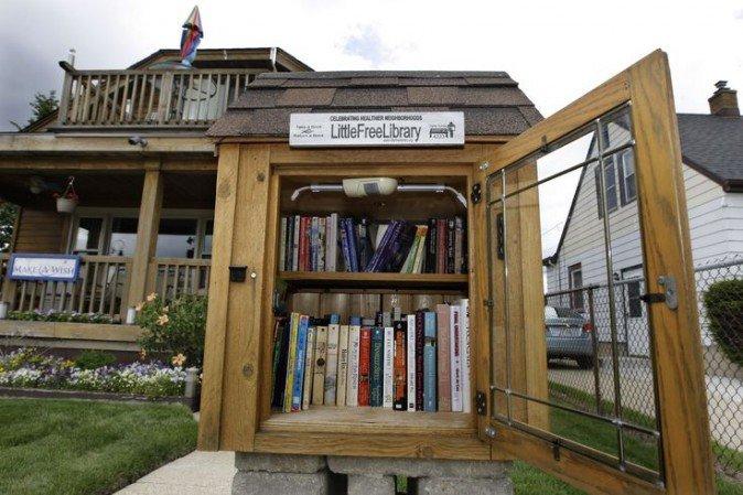 Le little free library alla conquista del cilento casette for Casette di legno del paese