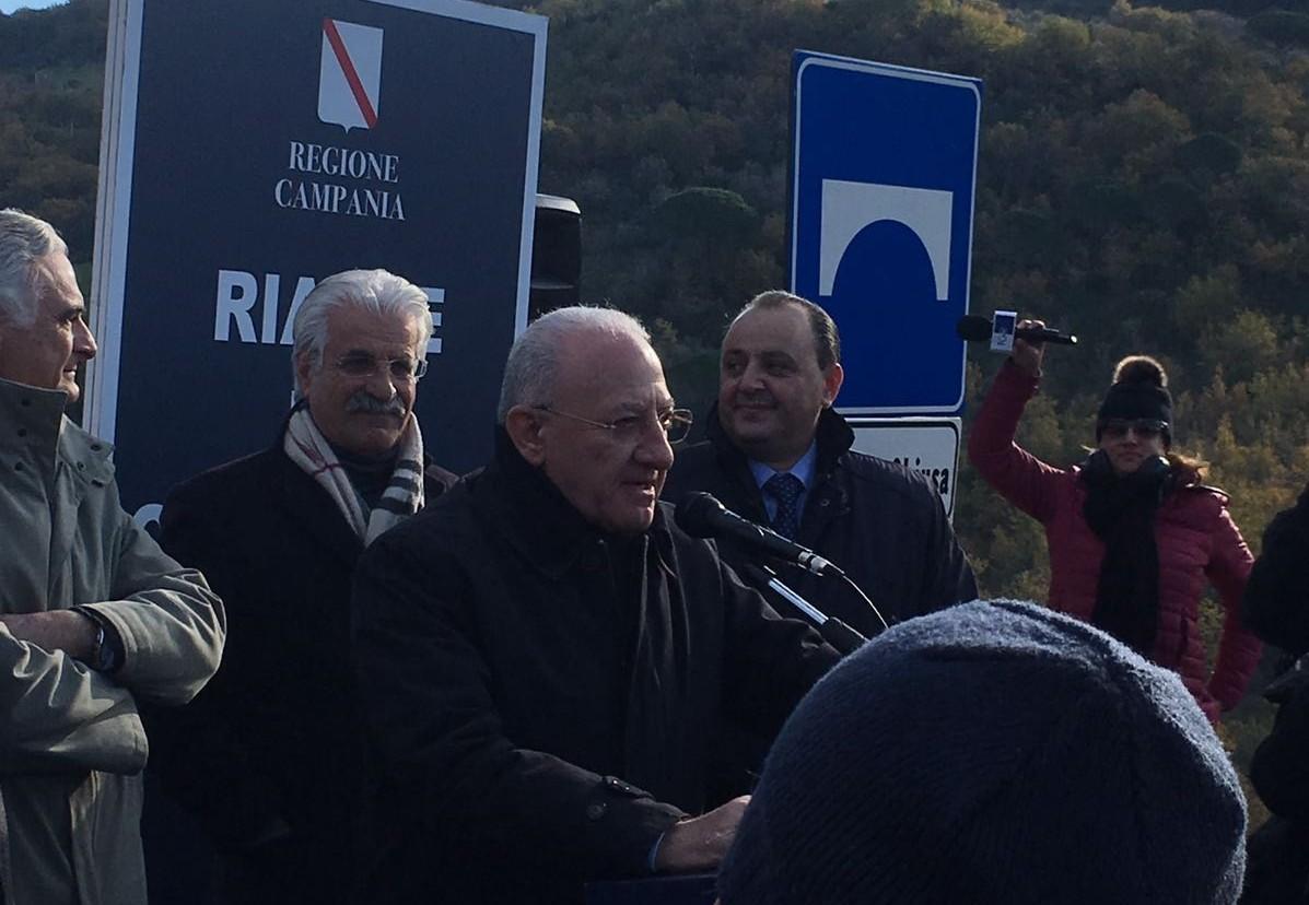 De Luca: 'boom turistico in Campania, ma adesso completare le infrastrutture'