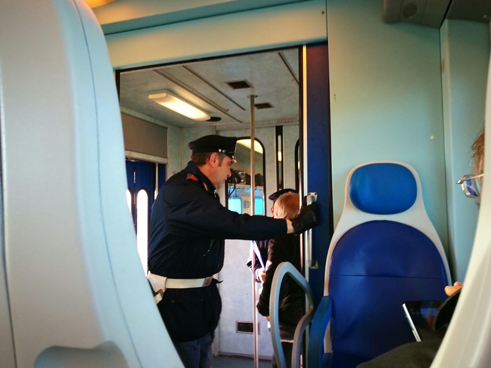 Trenitalia ritira rincari Alta velocità per pendolari, Arlotti: