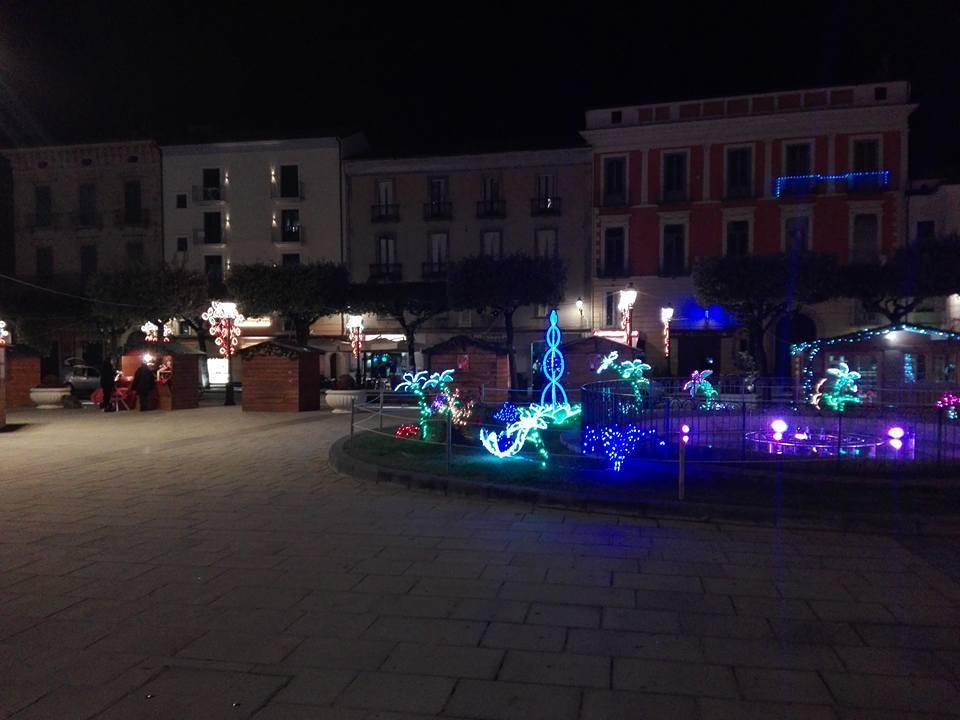 Vallo della Lucania: luci e ombre sul programma degli eventi natalizi