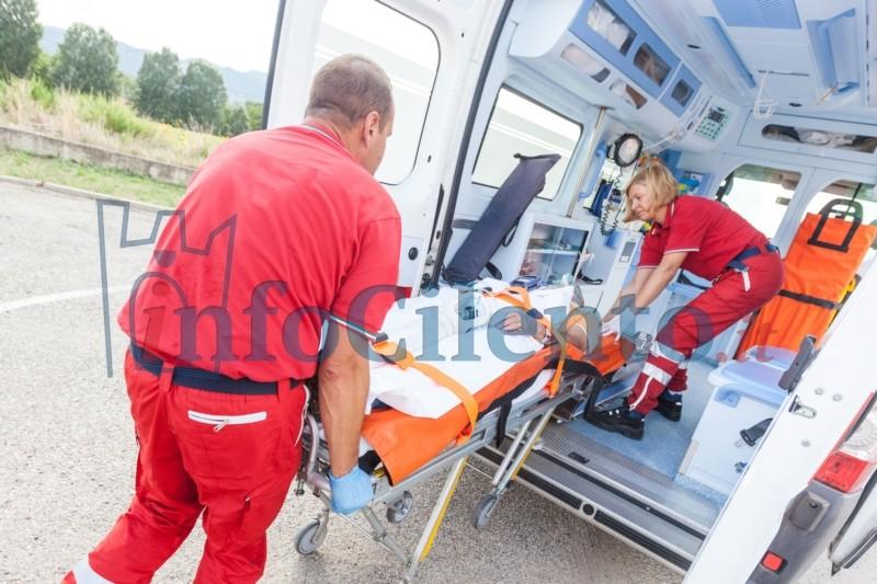 Tragedia in Cilento: entra in acqua e muore colto da un malore