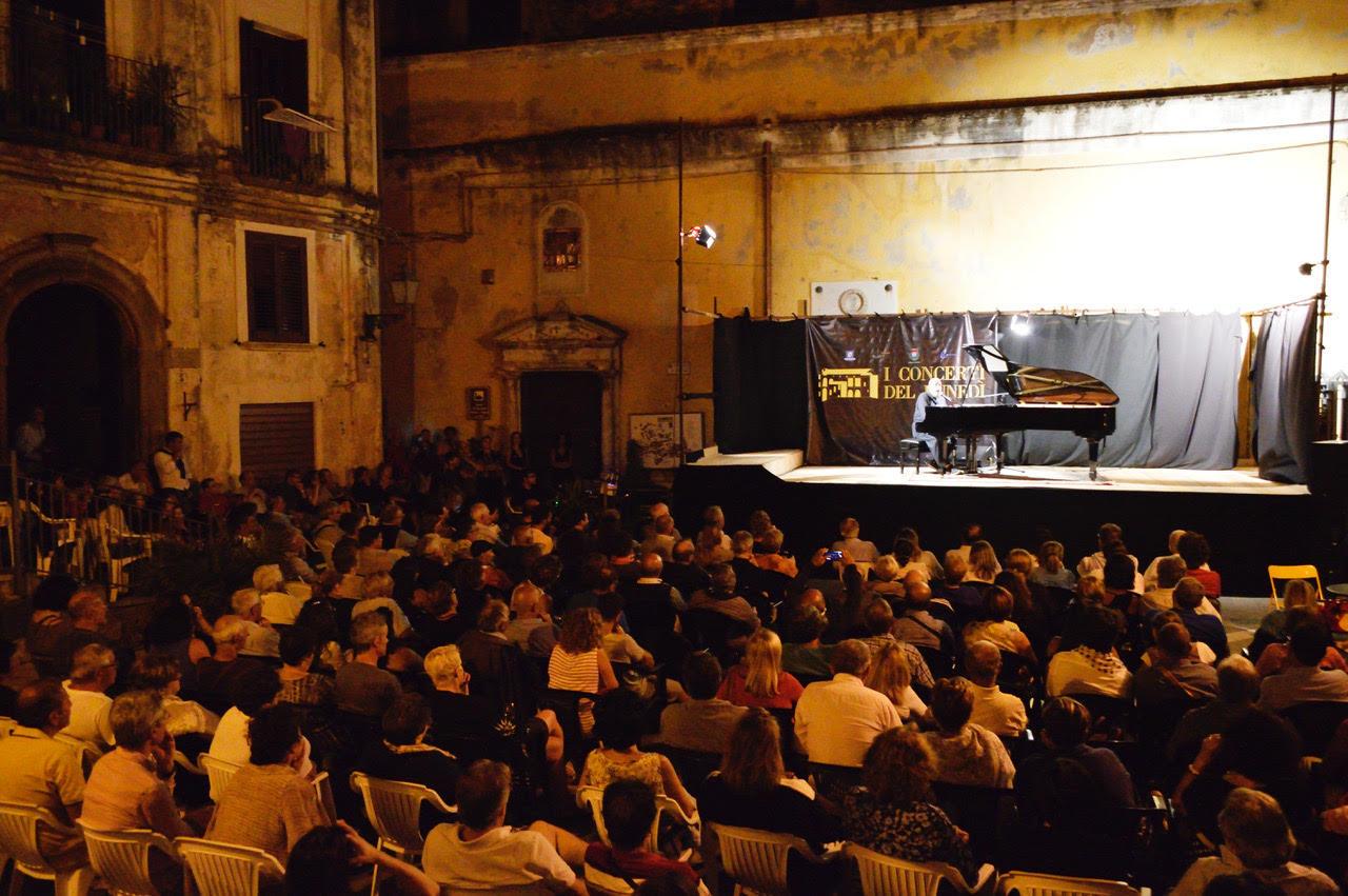 """Continua la rassegna """"I concerti del lunedì"""" nel centro storico di Pisciotta"""