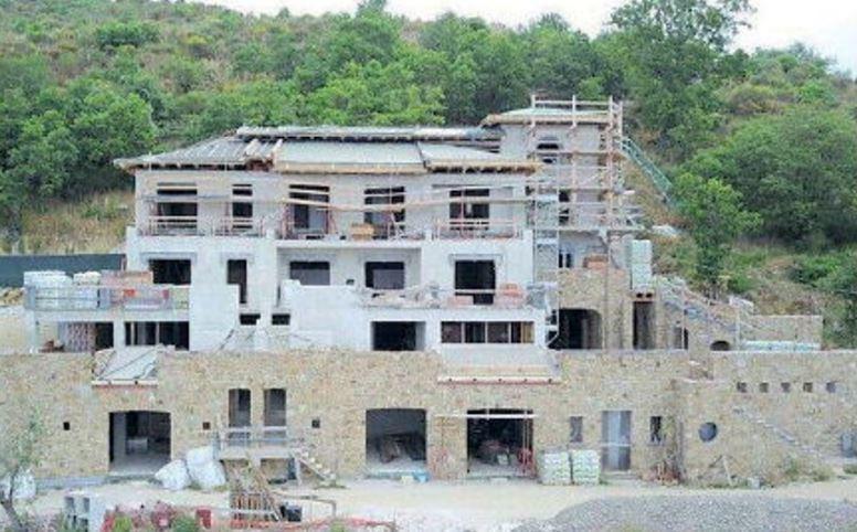 San mauro cilento sigilli ad un edificio di cinque piani for Piani di costruzione dell edificio