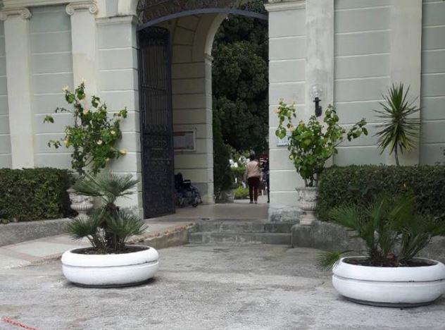 Photo of Sapri: sindaco chiude il cimitero