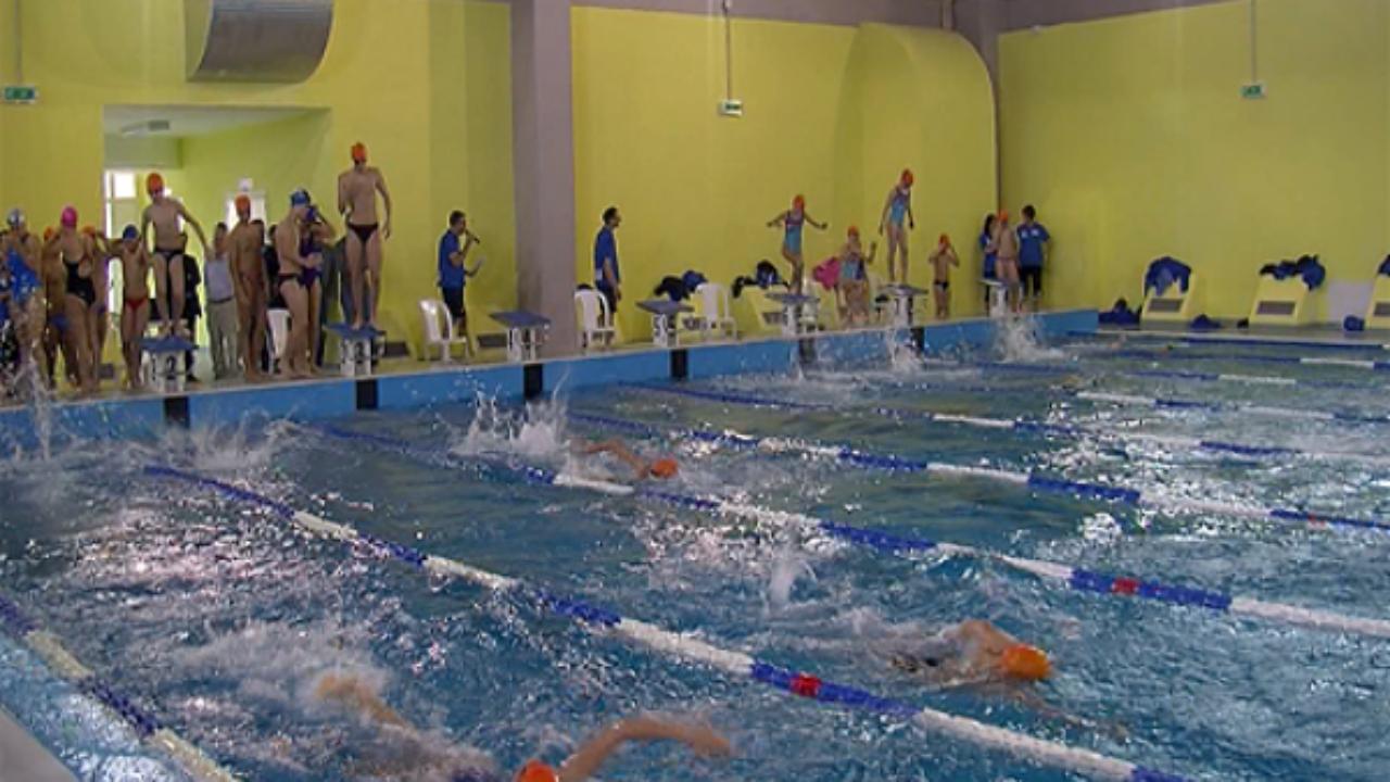 Piscine A Nocera Inferiore vallo della lucania: comune punta a fondi per la piscina