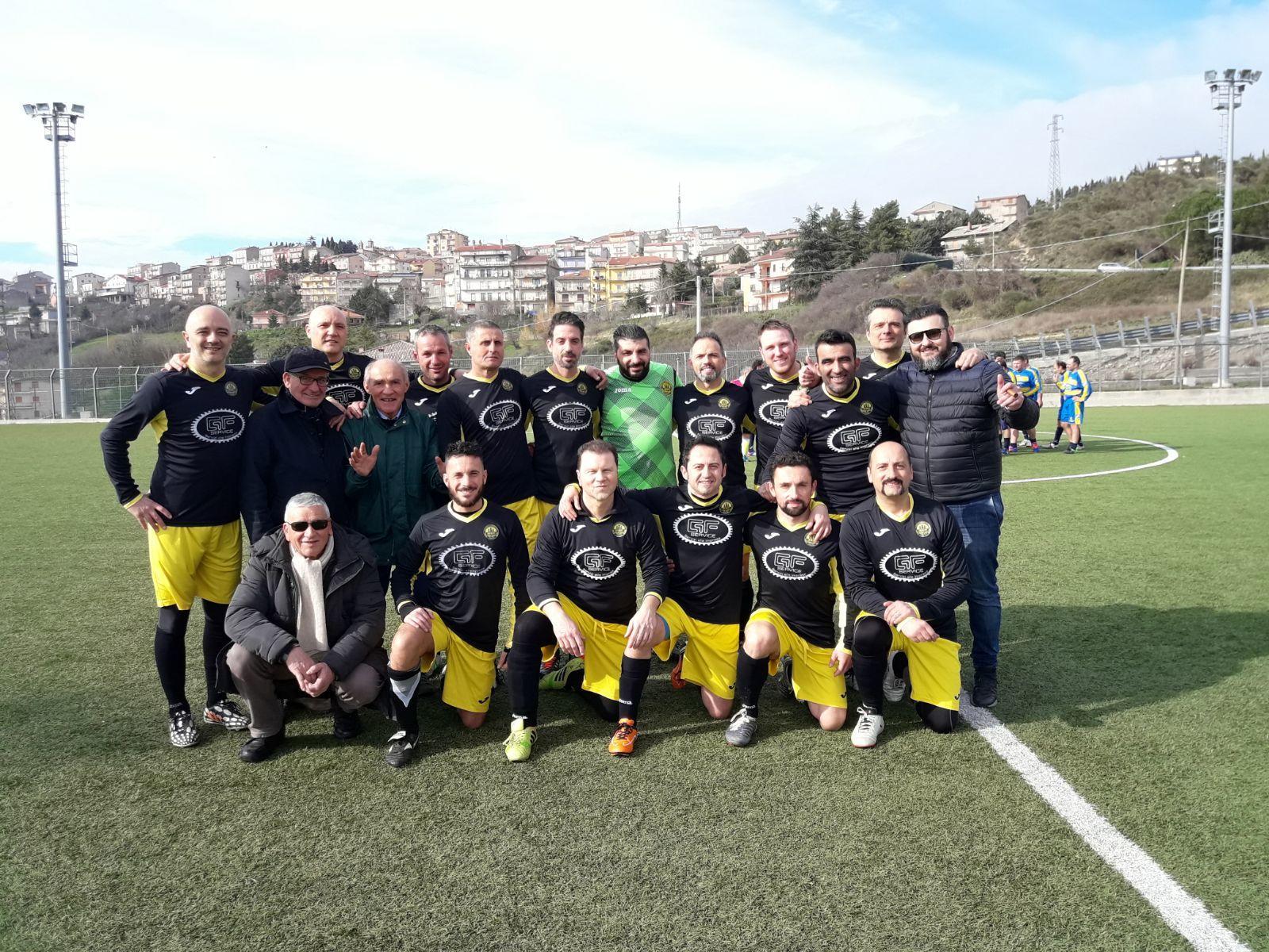 Photo of Sala Consilina: la Nuova Sant'Anna vince il campionato di calcio Over 35